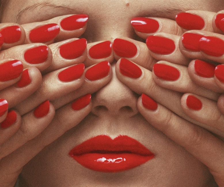 3. Vogue Paris, May 1970 © Guy Bourdin