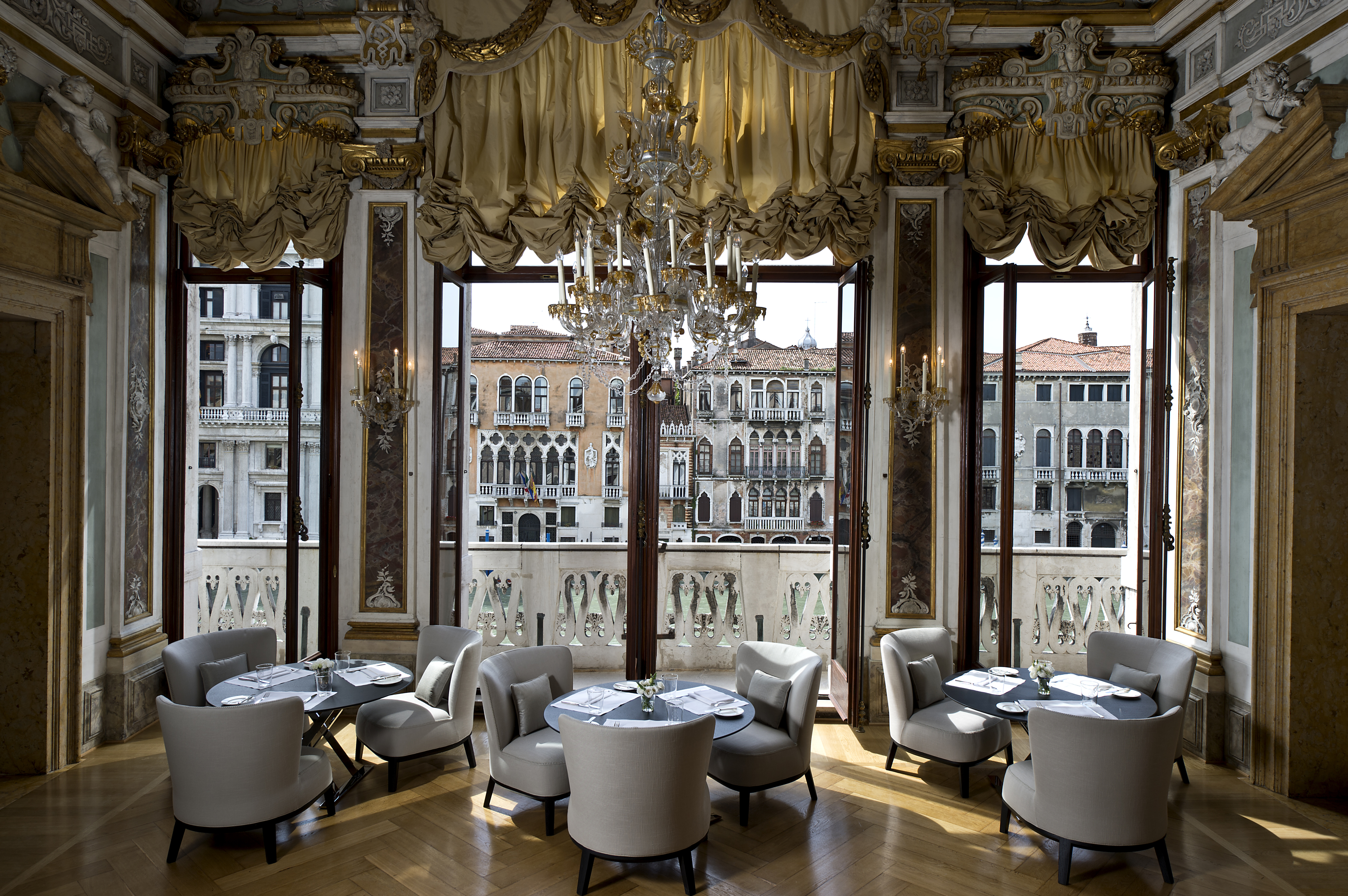 rs1930_aman-canal-grande-venice-piano-nobile-dining-room