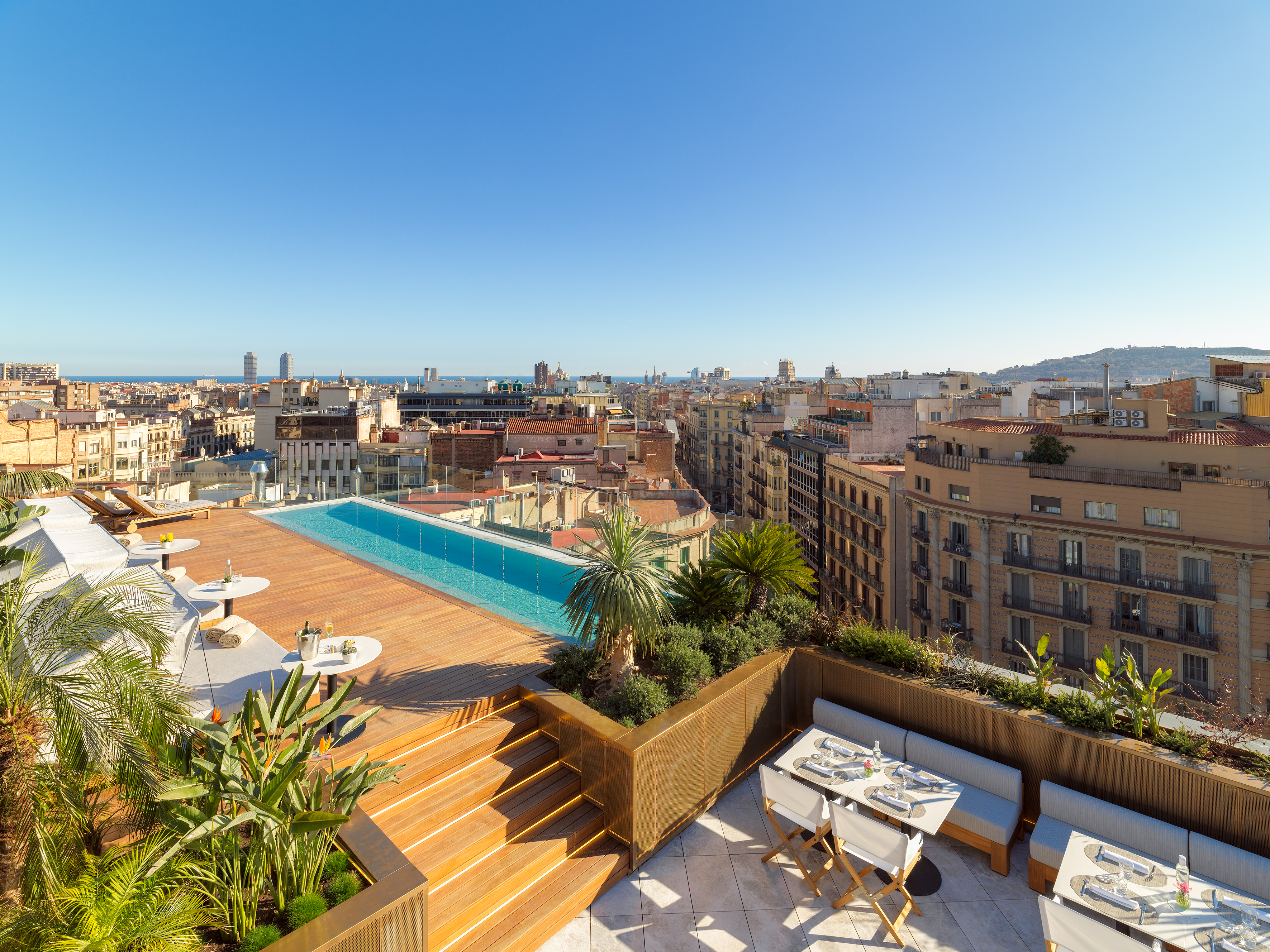 The One, Barcelona 3